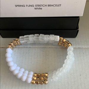 White stretch bracelet